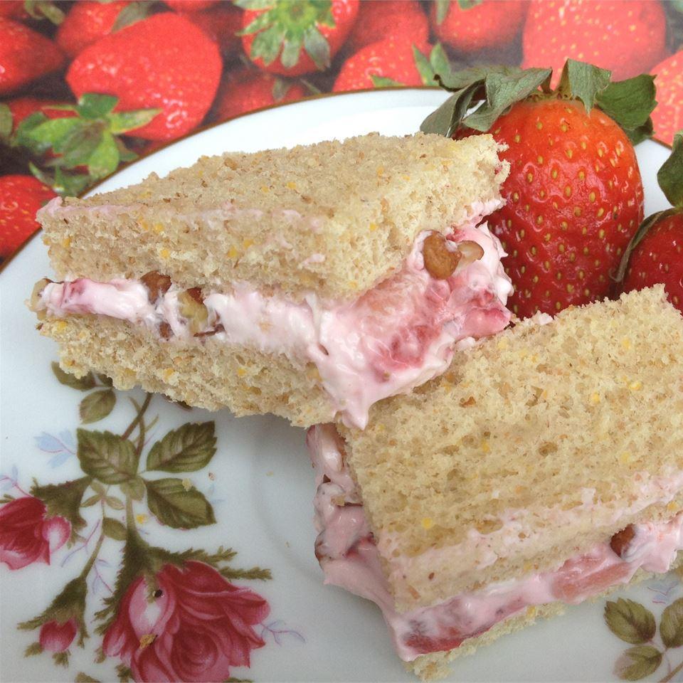 Creamy Strawberry Sandwiches It's A New Day