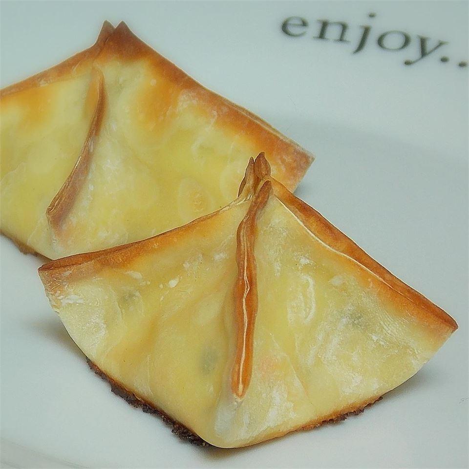 Creamy Cheese Wontons