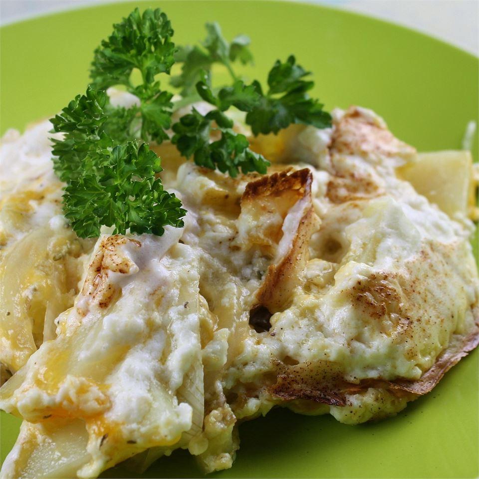 Creamy Rosemary Au Gratin Potatoes