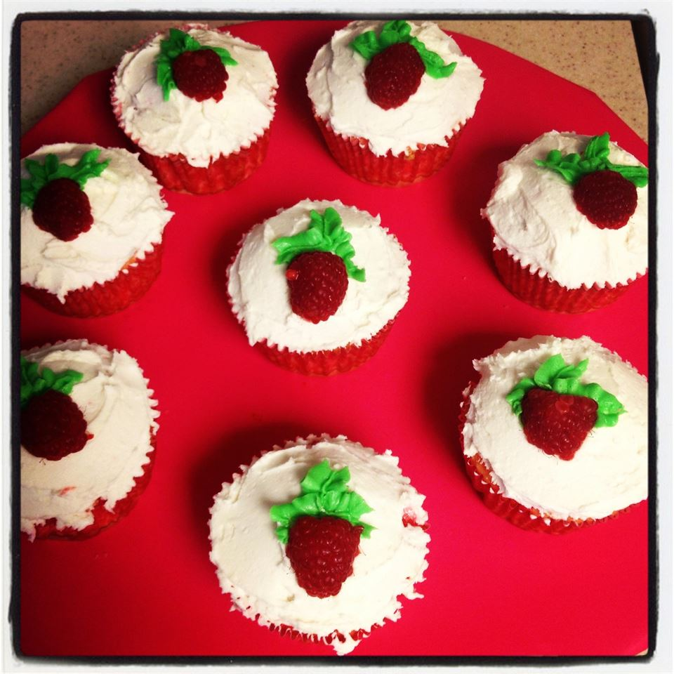 Raspberry White Chocolate Buttercream Cupcakes