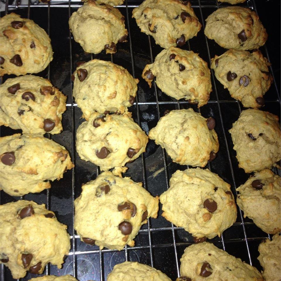 Chickpea-Chocolate Chip Cookies raineb