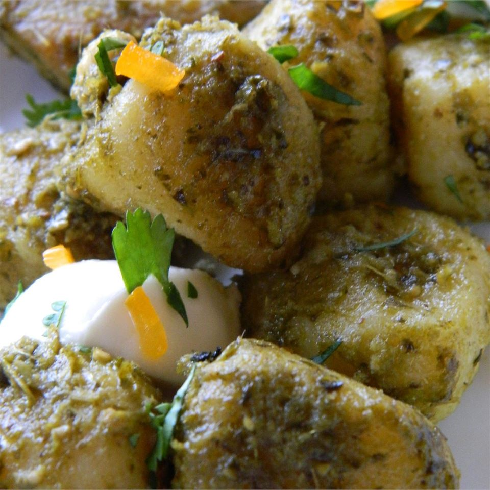 Gnocchi with Chicken, Pesto and Fresh Mozzarella slocatelli