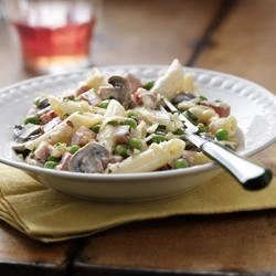 Penne with Ham, Mushrooms and Peas