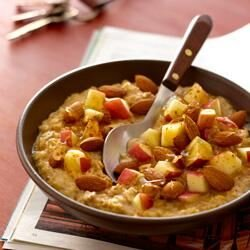 hearty apple almond oatmeal