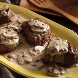 Beef Tenderloins with Mushroom-Garlic Sauce
