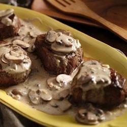 beef tenderloins with mushroom garlic sauce