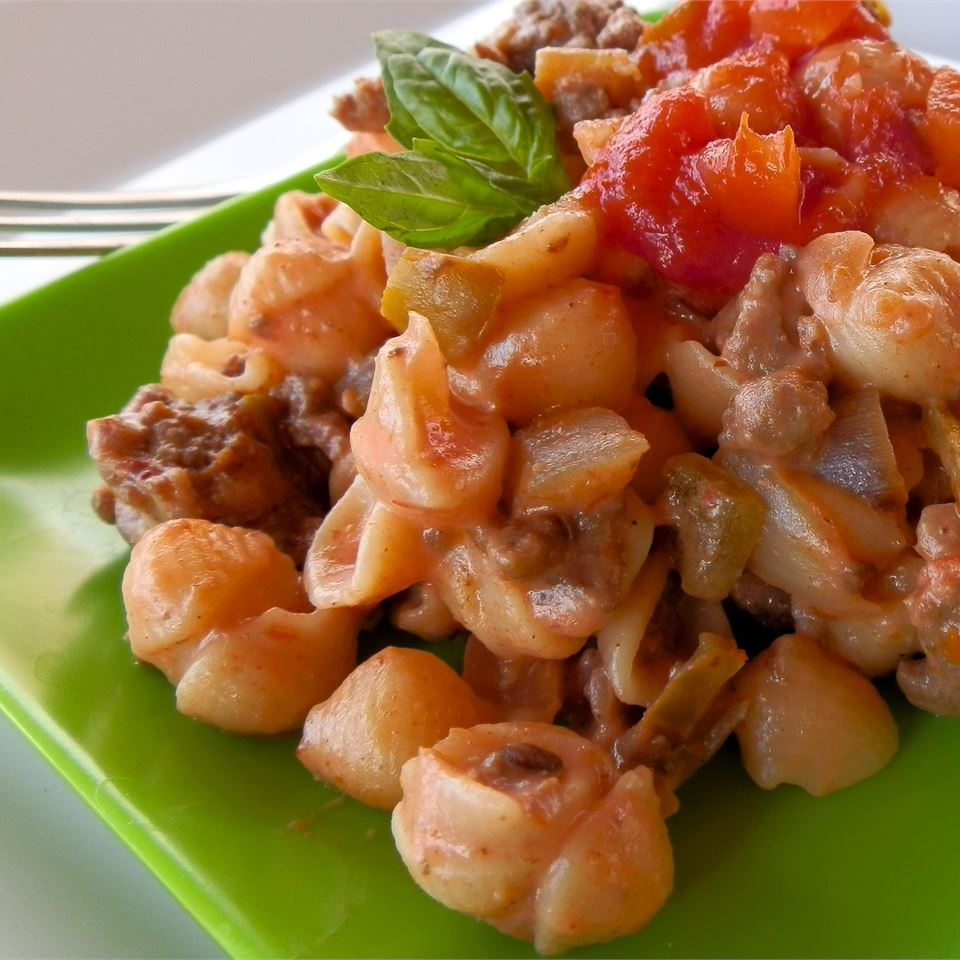 Macaroni and Cheese with Ground Beef, Salsa and Green Chiles Wyattdogster