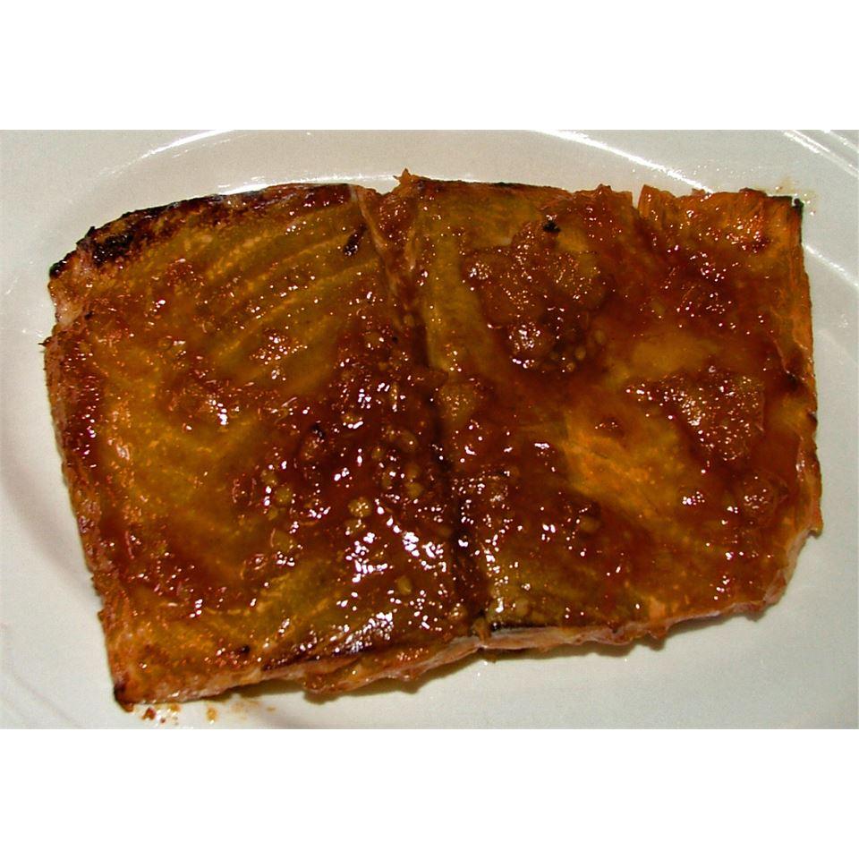Sweet 'n' Hot Glazed Salmon Lesley