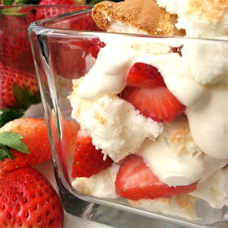 Strawberries and Cream Trifle Nicolette