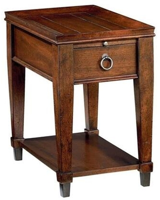 Sunset Valley Collection 197 916 CHAIRSIDE TABLE in Rich - hammary