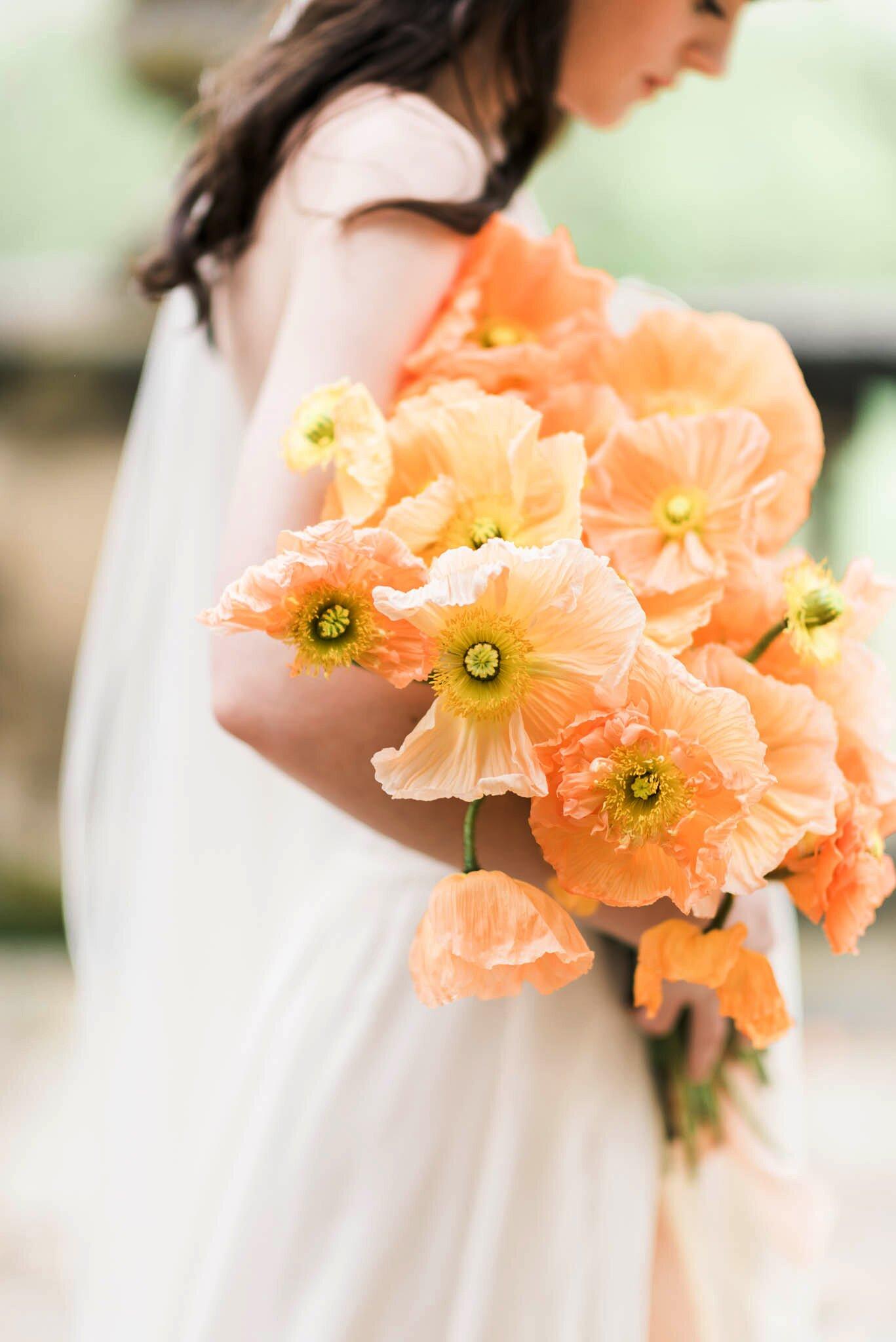 21 Fun And Bright Poppy Wedding Bouquets Martha Stewart Weddings