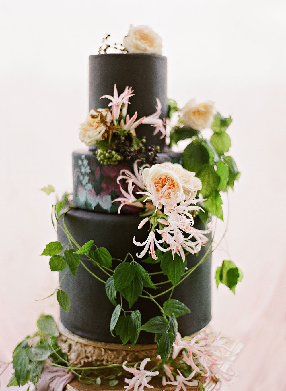 21 Beautiful Black Wedding Cakes For The Nontraditional Couple