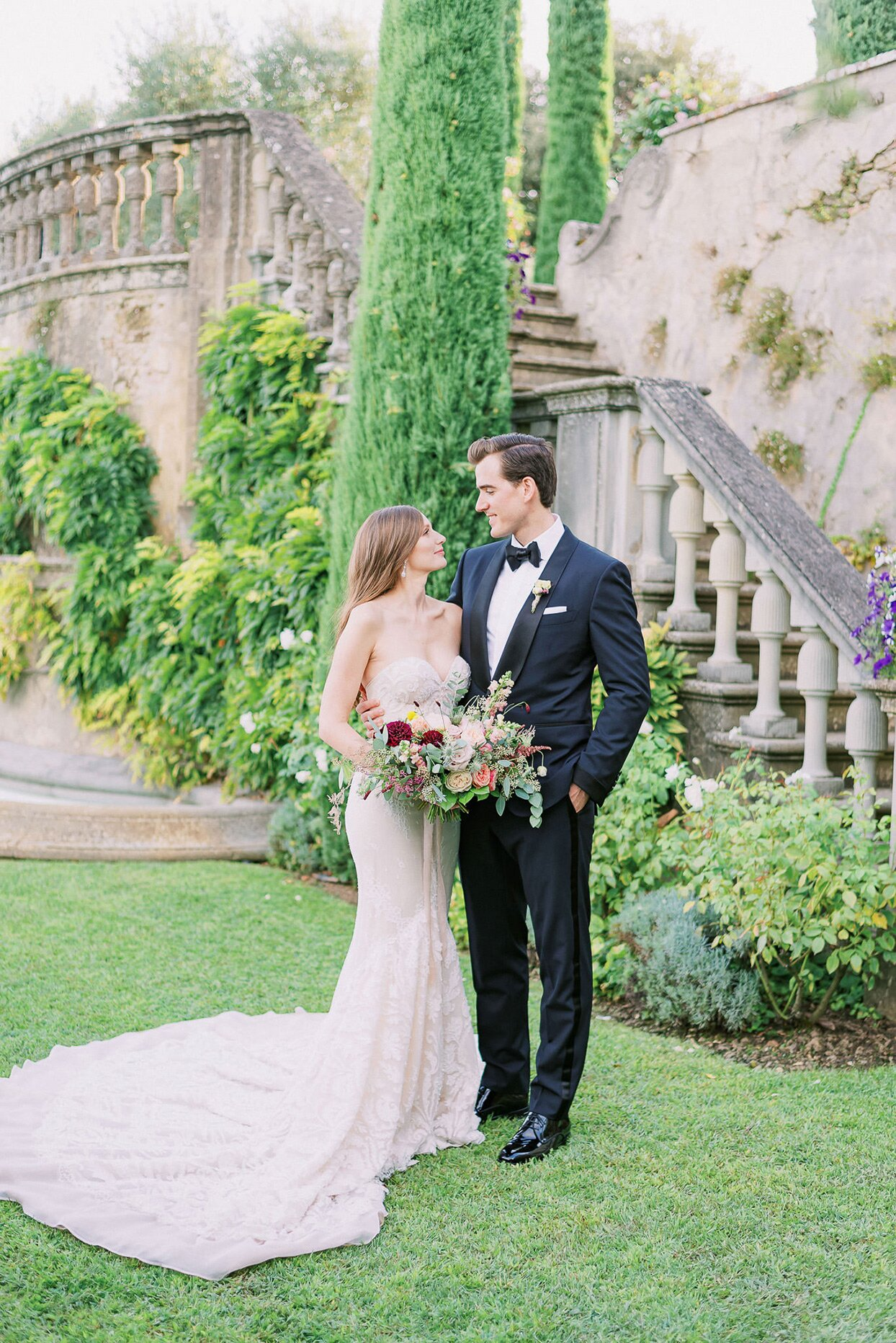This Couple Tied The Knot At Sting S 16th Century Villa In Tuscany