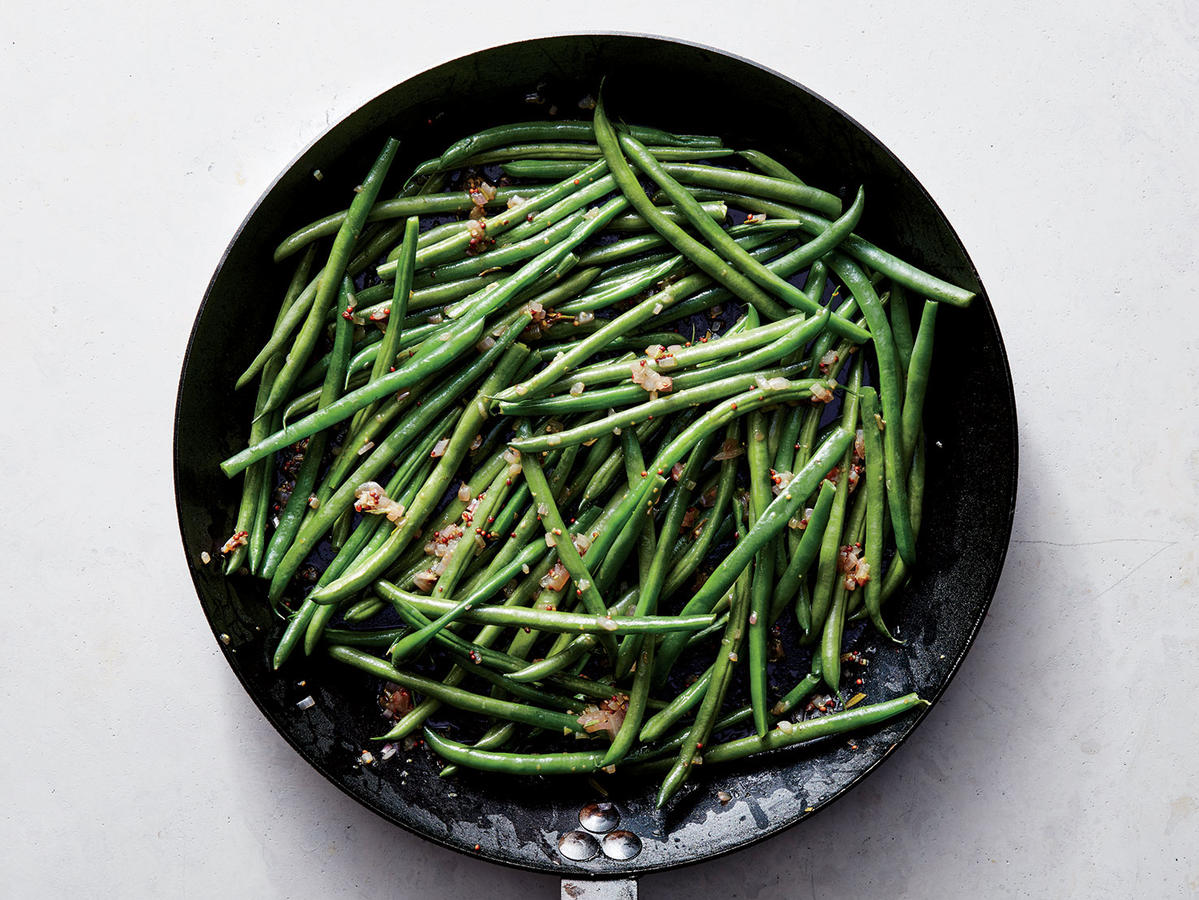 Haricots Verts with Warm Shallot Vinaigrette