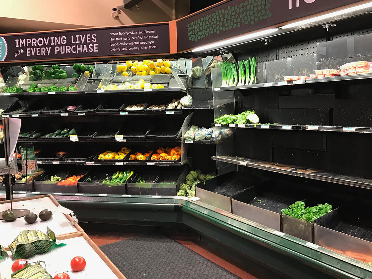 1801w Whole Foods Produce Shelf