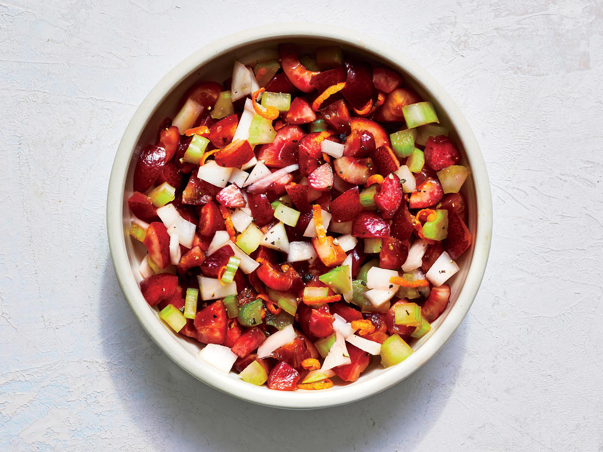 These Pair-With-Anything Sauces Brighten Summer Meals