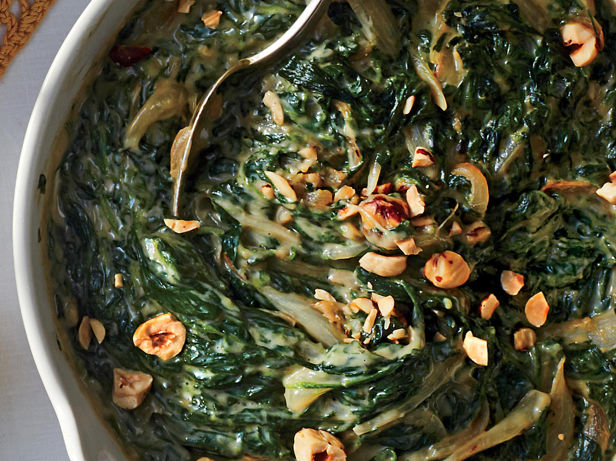 Creamed Spinach with Hazelnuts