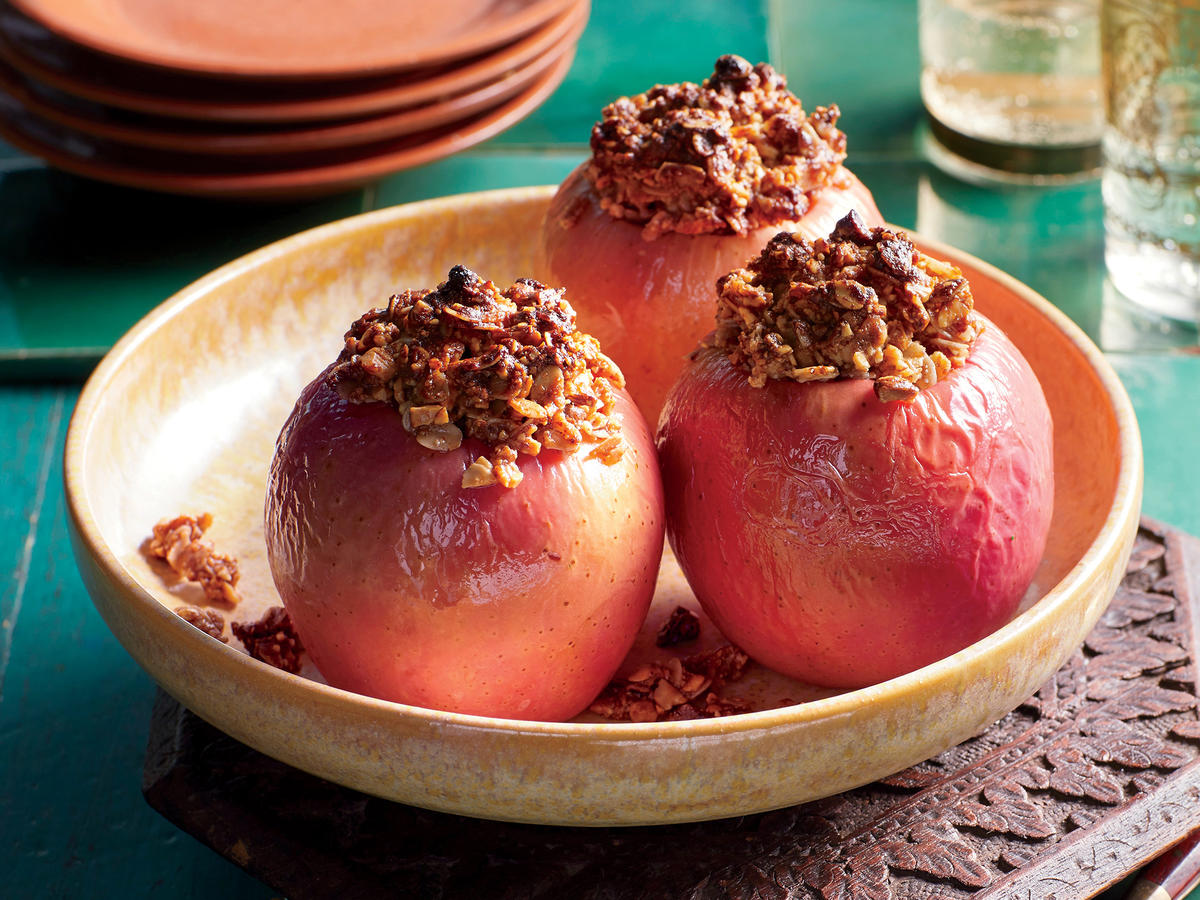 Baked Apples with Amlou