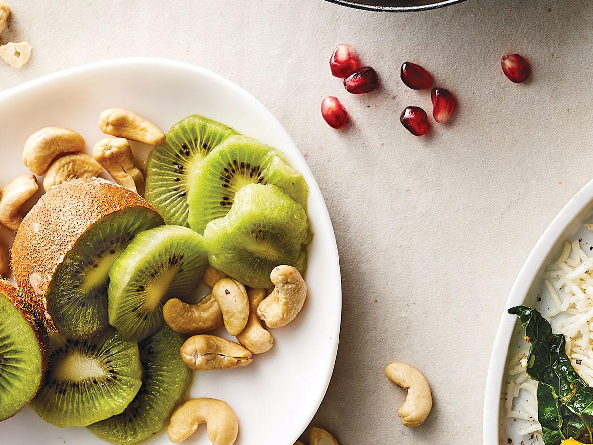 Day 1 Afternoon Snack: Kiwi and Cashews