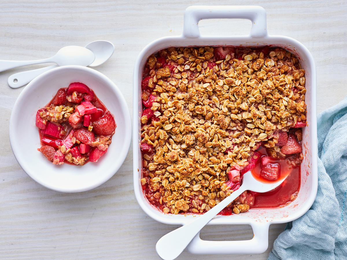Strawberry-Rhubarb Crumble
