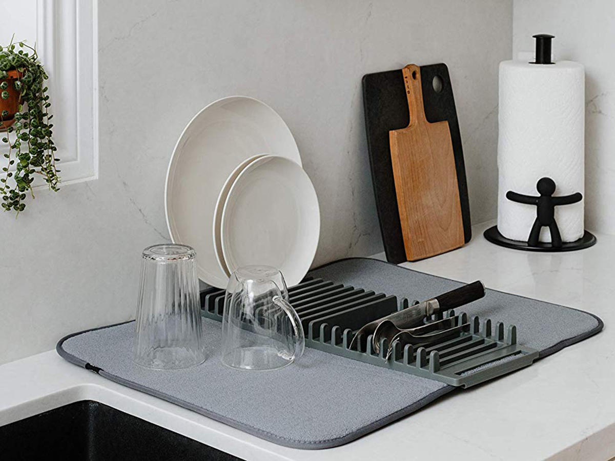 umbra-udry-rack-and-microfiber-dish-drying-mat-tout-FT-BLOG0120.jpg