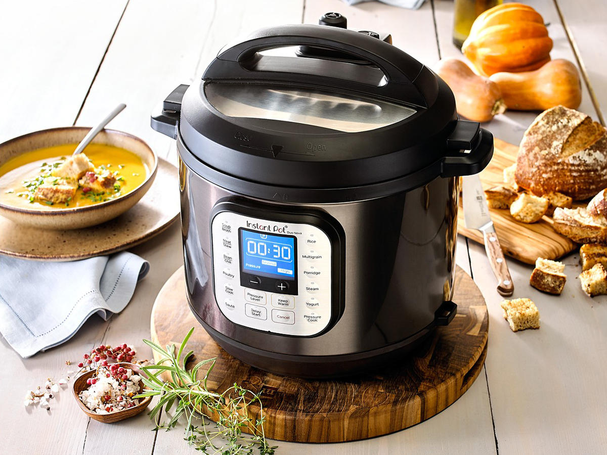 Instant Pot Duo Nova Black Stainless Steel 6-Qt. 7-in-1 One-Touch Multi-Cooker Tout
