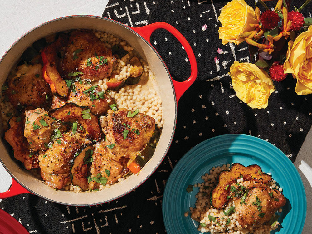 round-wide-dutch-oven-factory-to-table-sale-3-1-2-qt-TOUT.jpg