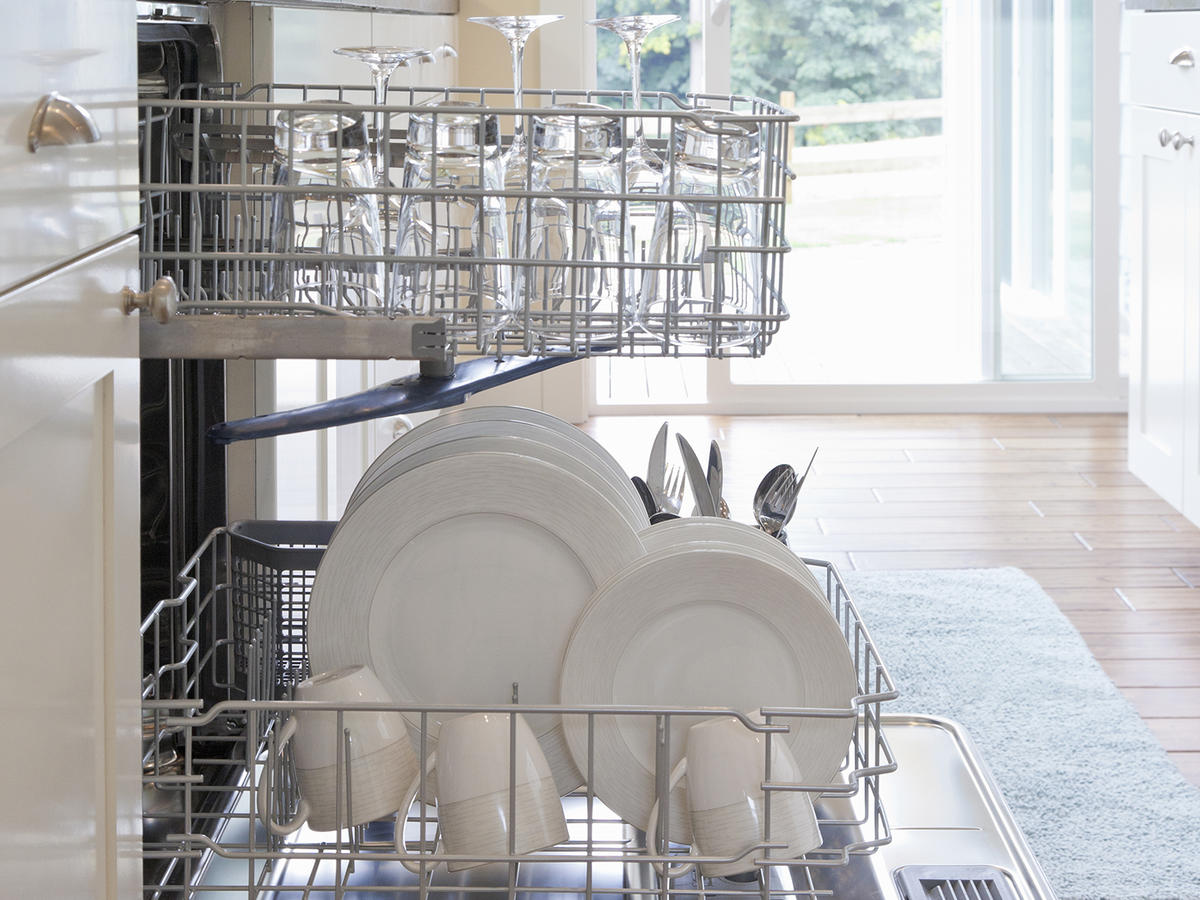 De-Stink Your Dishwasher