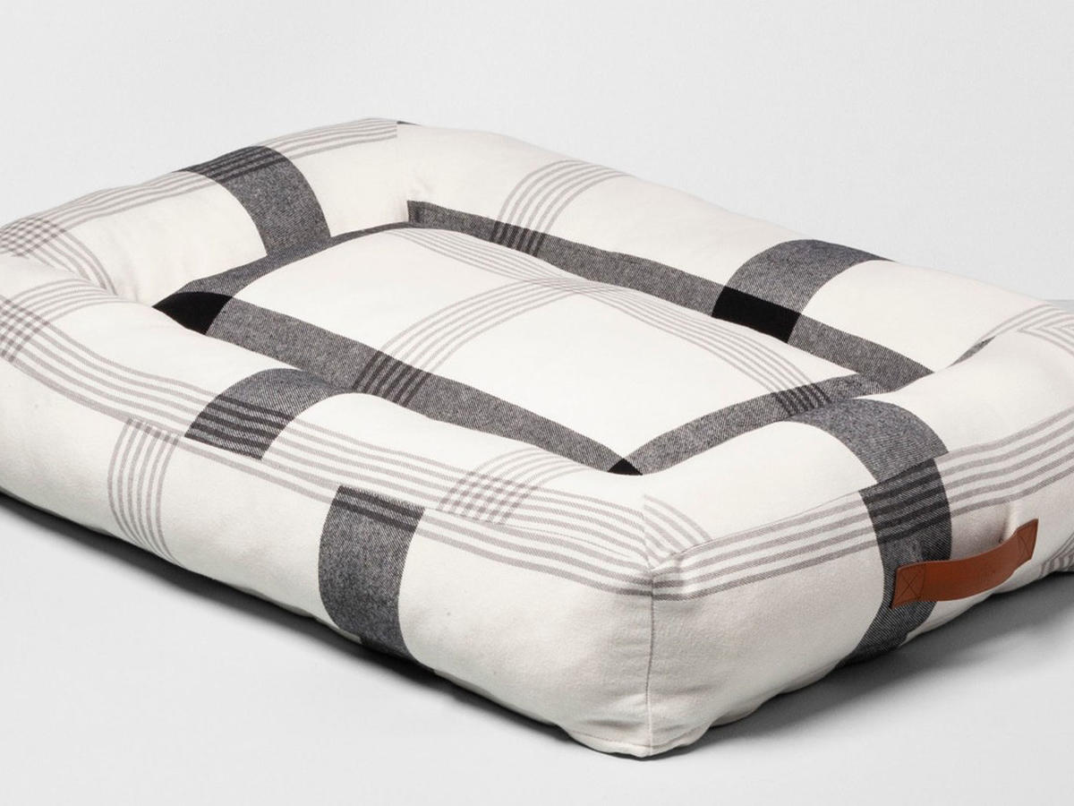 Pet Plaid Holiday Bed, Black and White