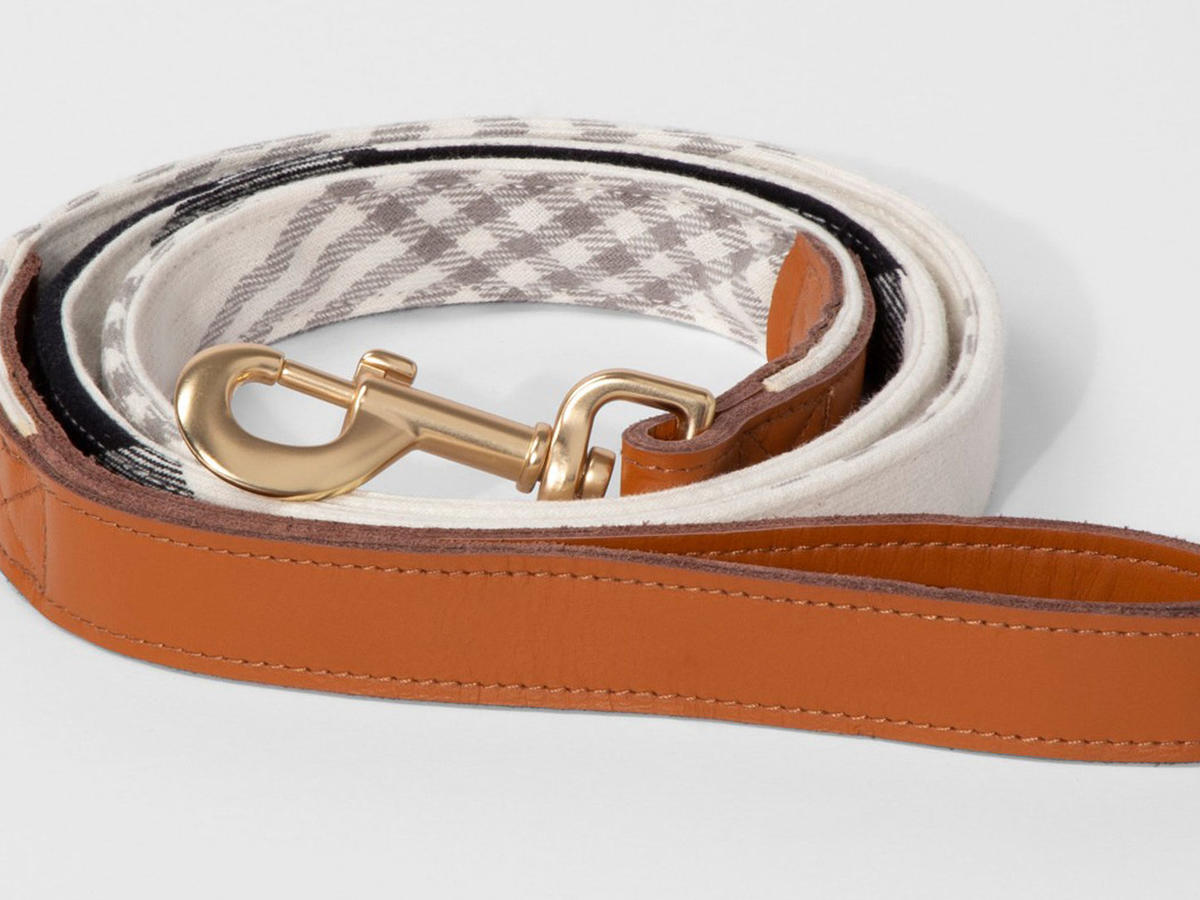 Pet Plaid Holiday Leash
