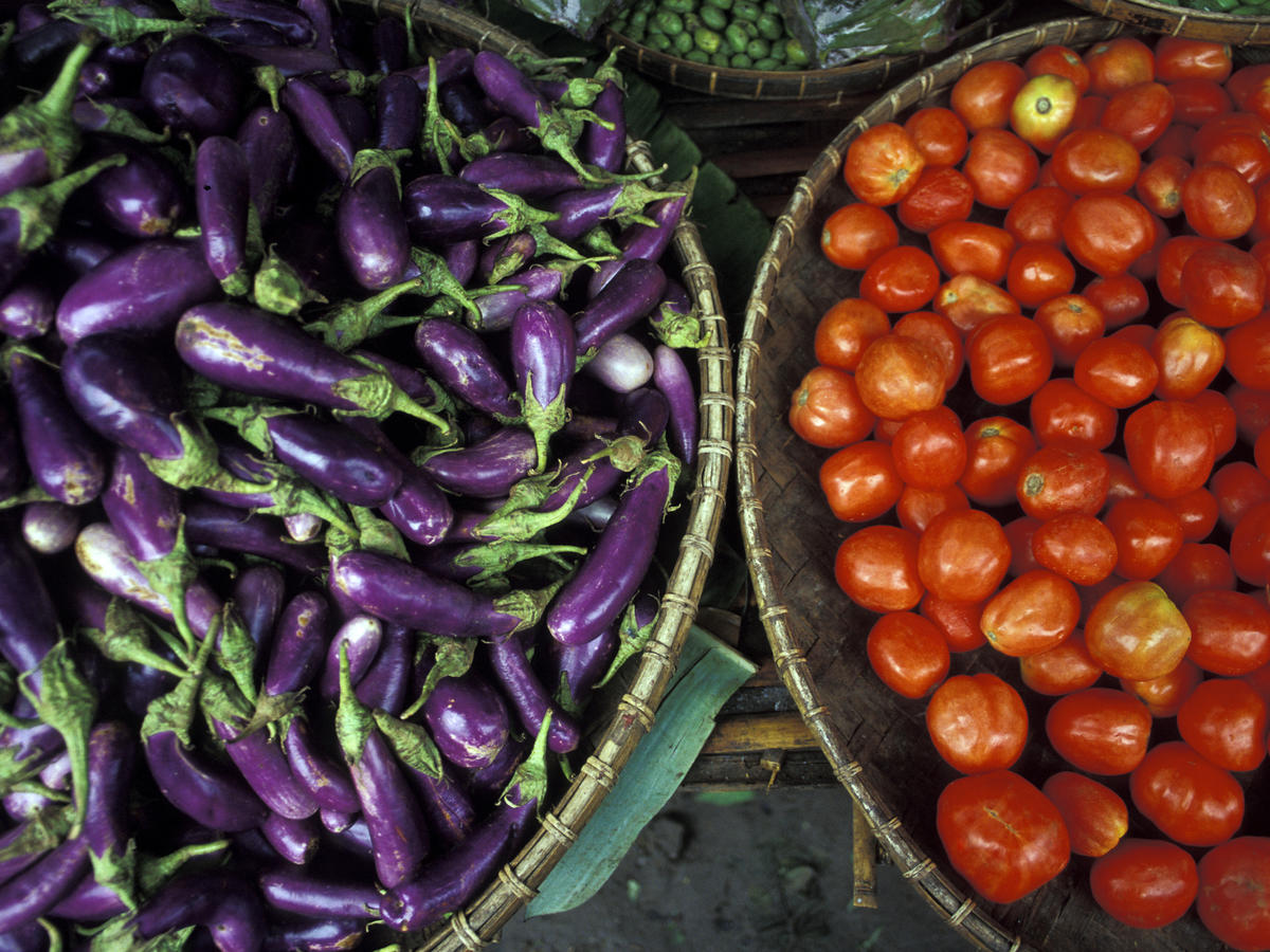 eggplant-and-tomato-getty-image