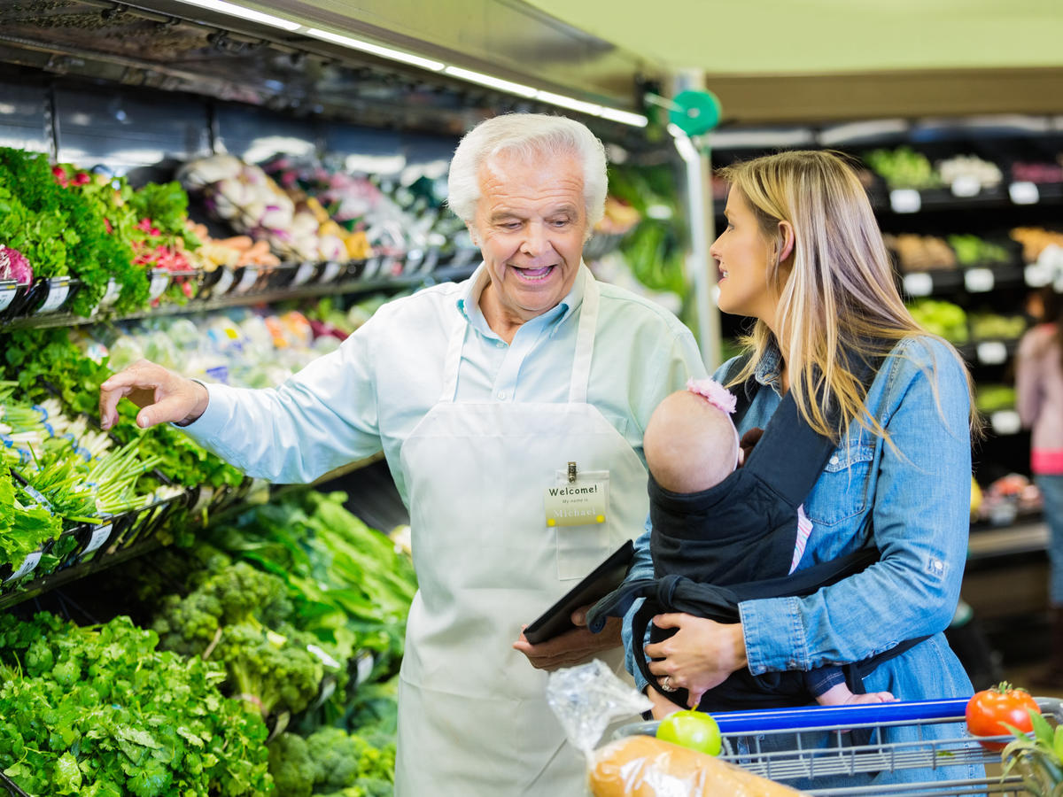 9 Things You Shouldn't Say to a New Mom at the Grocery Store