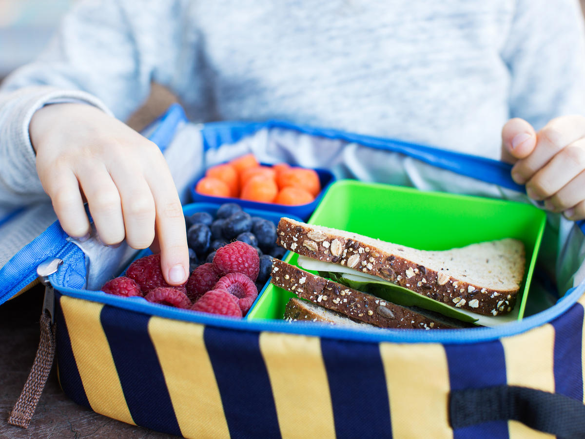 5 Easy Money-Saving Tips For Packing Your Kids' Lunches