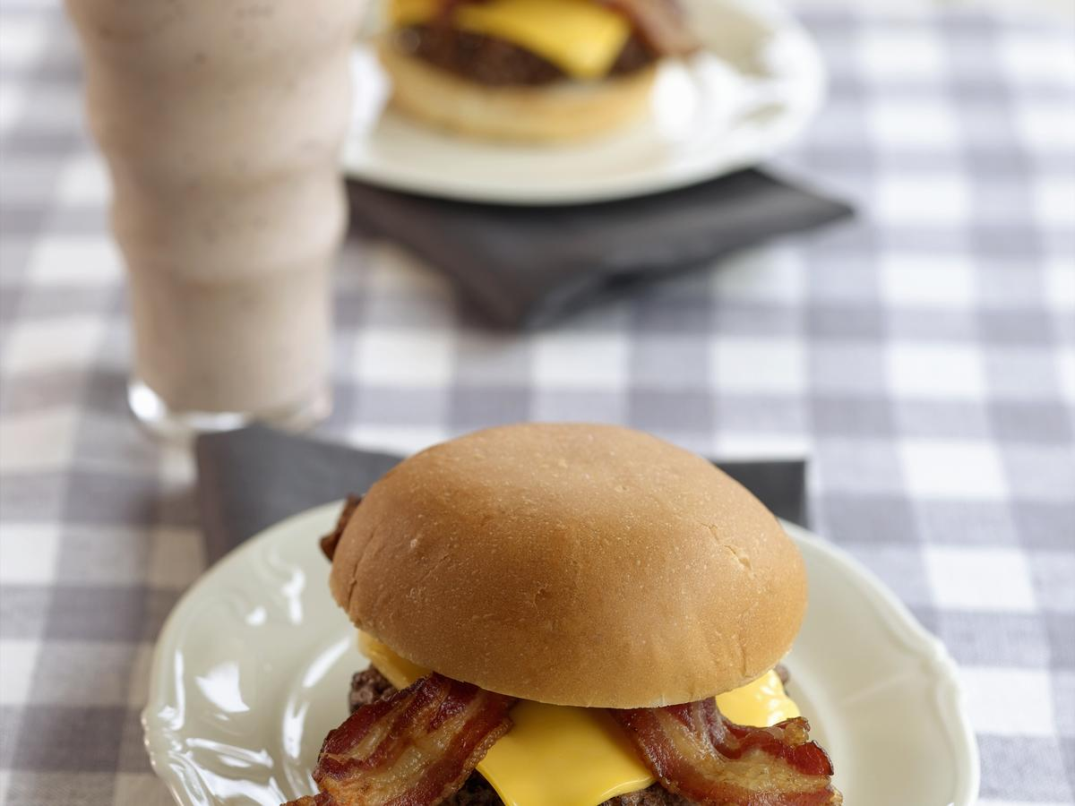 bacon-cheese-burger-sleep