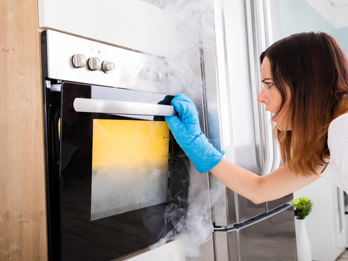 6 Common Mistakes That Could Catch Your Oven on Fire