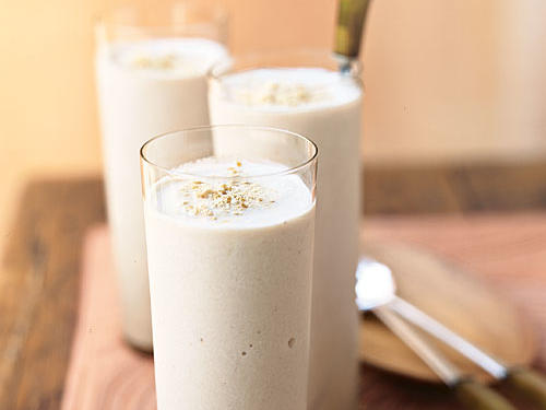 0608p128-banana-smoothie-m.jpg