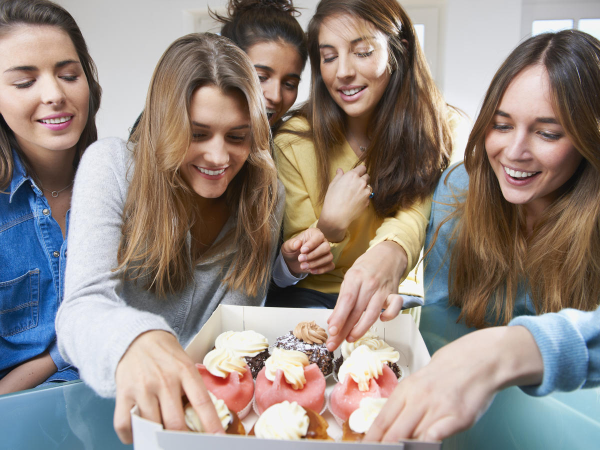 1601w-getty-girls-reaching-cupcakes.jpg