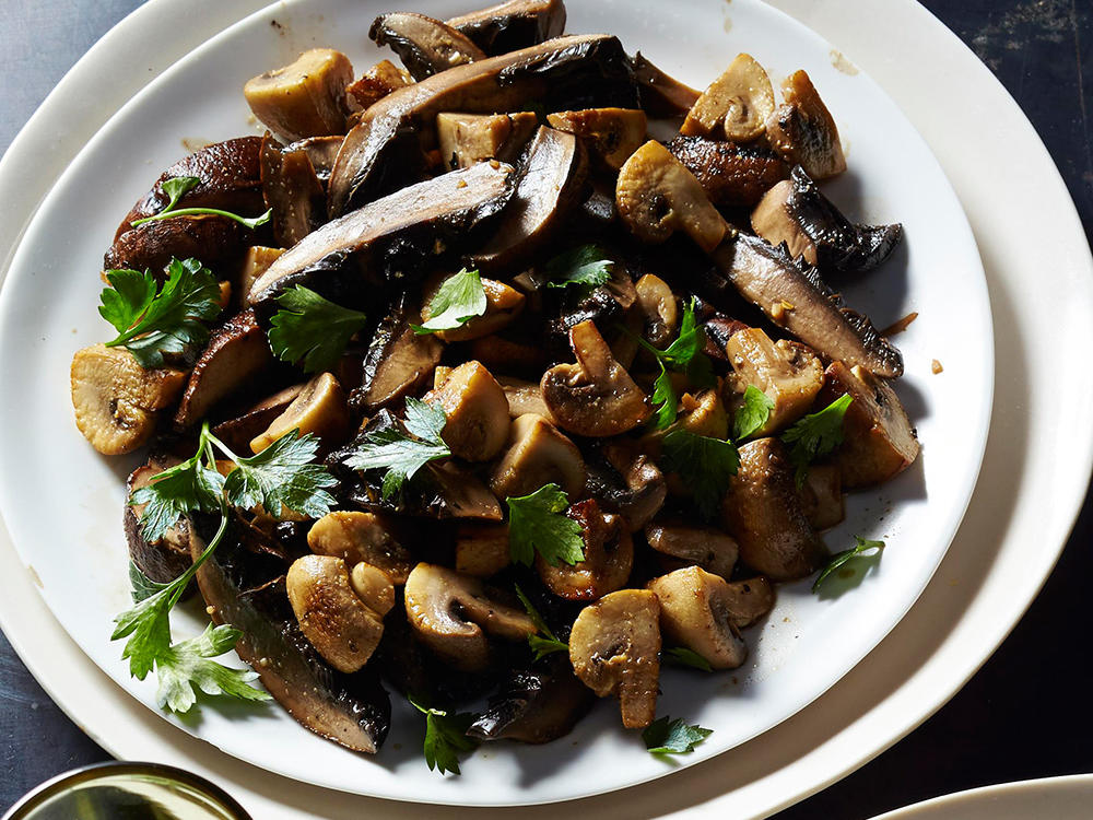 1605p123-mixed-mushrooms-with-fish-sauce-x.jpg