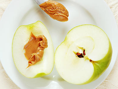 Snack in a Snap: Apples & Peanut Butter