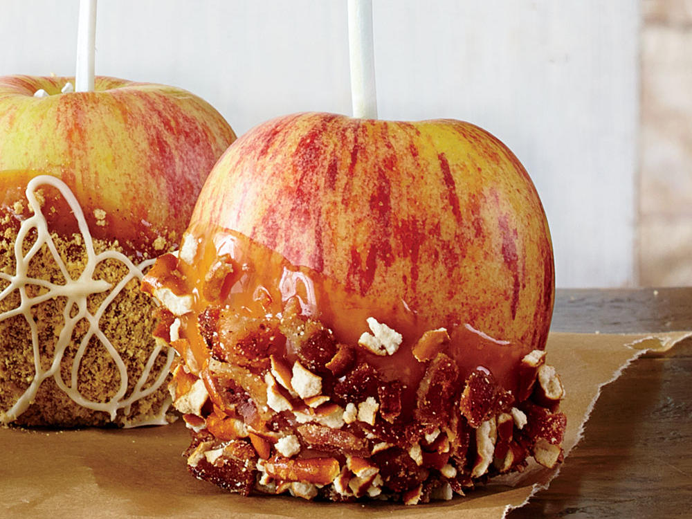 1410 Bacon-Pretzel-Peanut Butter Caramel Apples