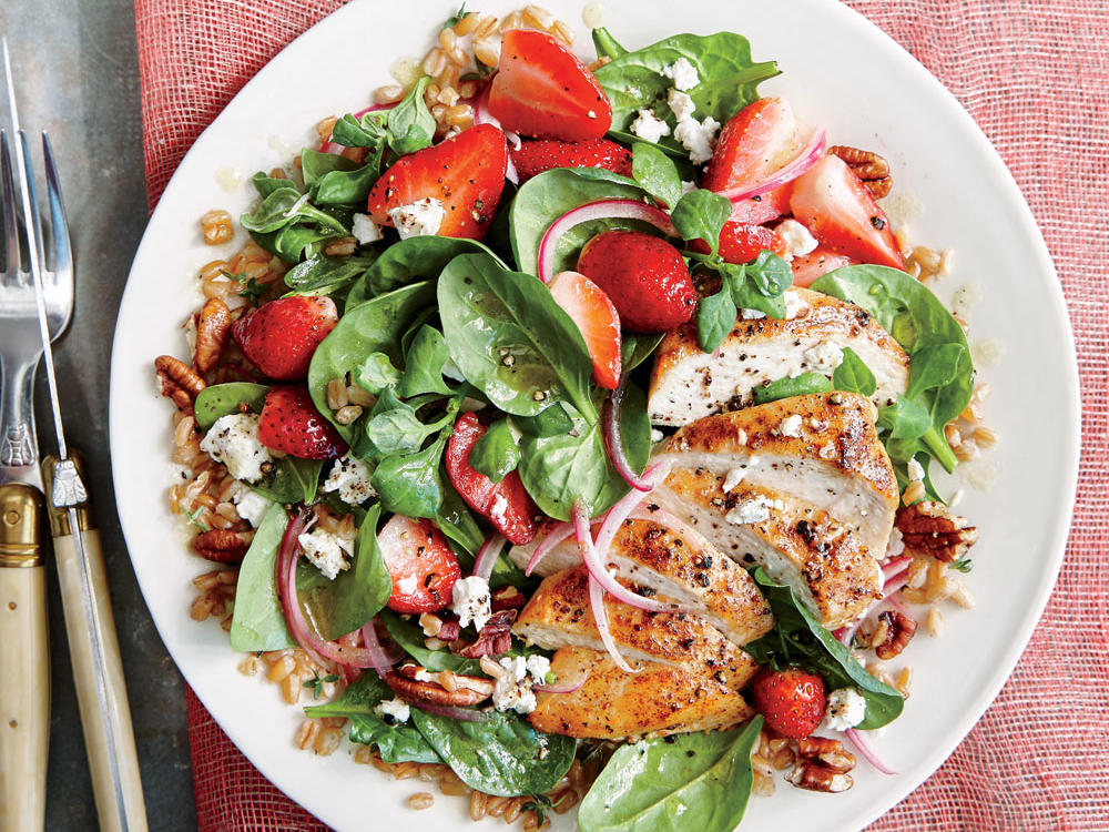Strawberry-Chicken Salad with Pecans