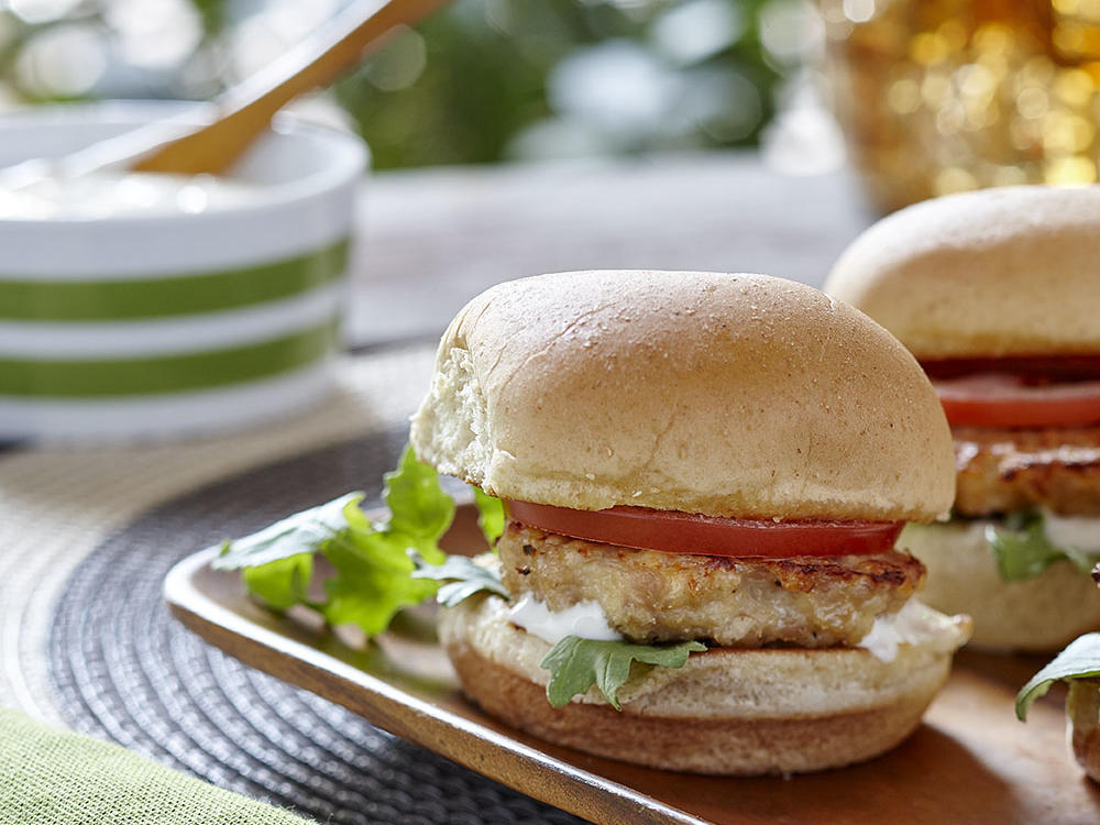 Hidden Valley Greek Yogurt Chicken Sliders