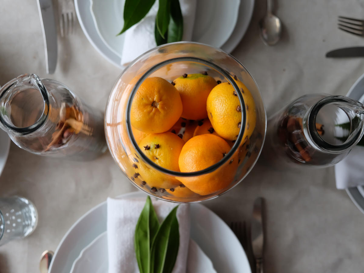 Clementine Centerpiece Decor with Food image