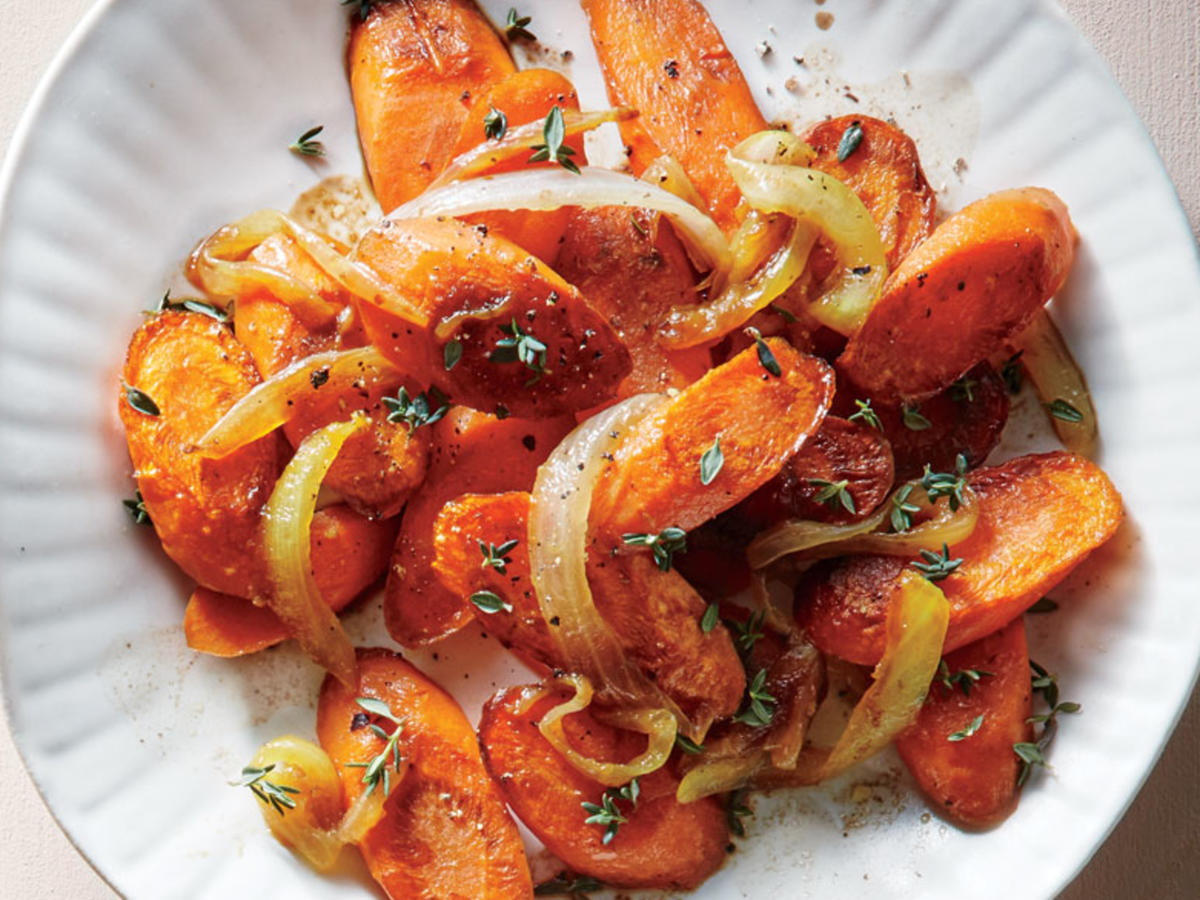 Balsamic Onion and Thyme Carrots