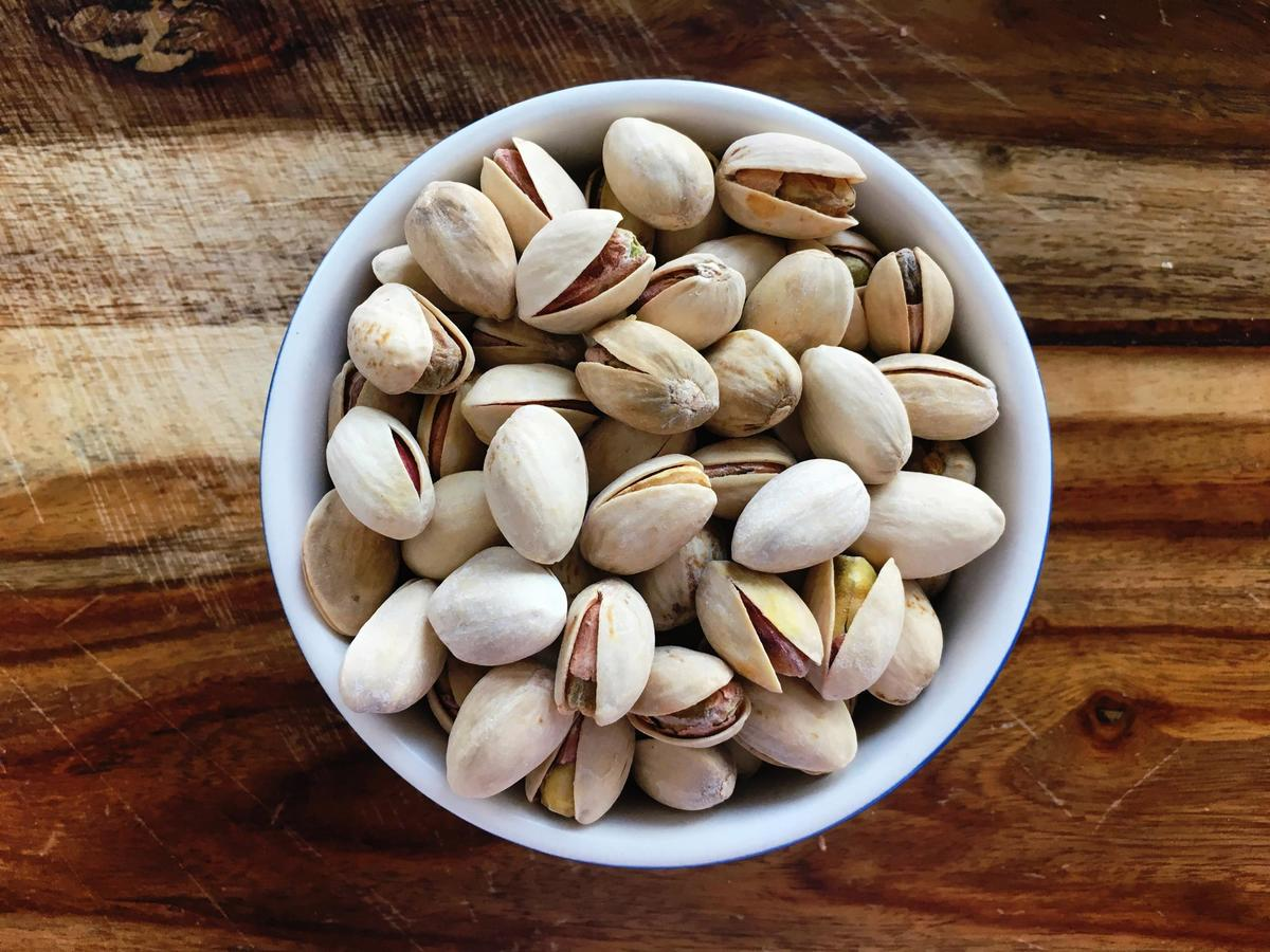 1 oz. Dry-Roasted Shelled Pistachios