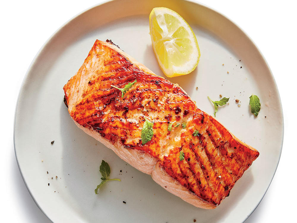 15. Broiled Salmon with Lemon