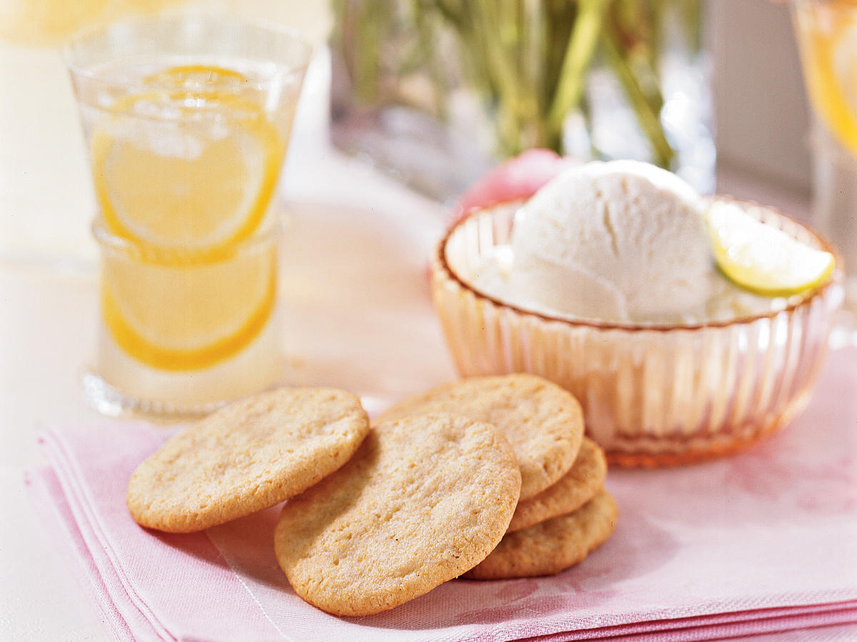 Lemon-Cornmeal Cookies recipe
