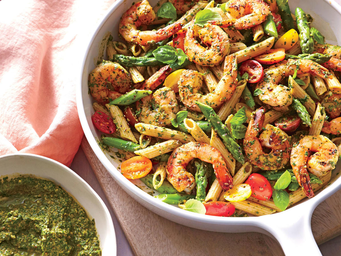Monday: Spinach Pesto Pasta with Shrimp