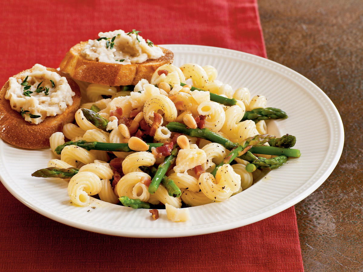 Pasta with Asparagus, Pancetta, and Pine Nuts Recipe