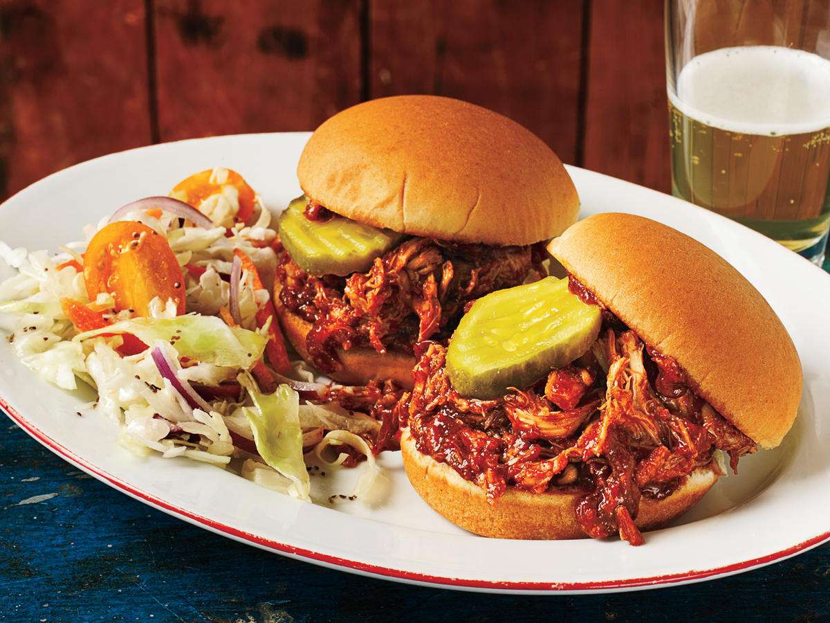 1103 Barbecue Pulled Chicken Sliders